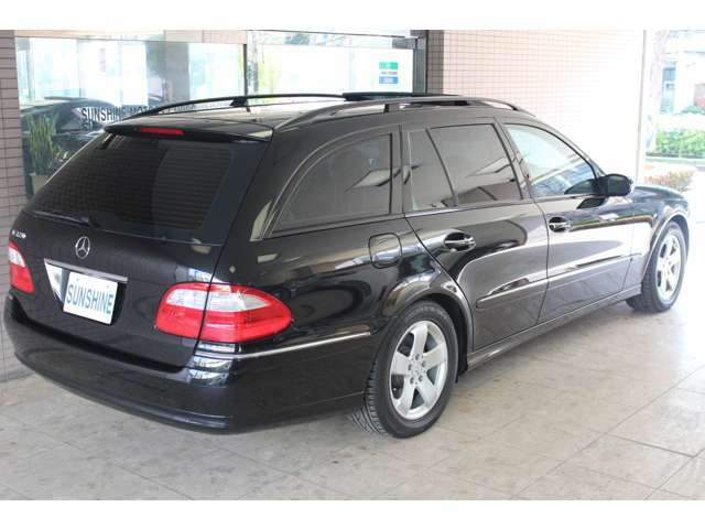 MBJ正規ディーラー車、ワンオーナー、正規ディーラー車整備記録簿付です。走行距離は僅か15300キロメートル程です。詳しくは弊社ホームページをご覧下さいhttp://www.sunshine-m.co.jp