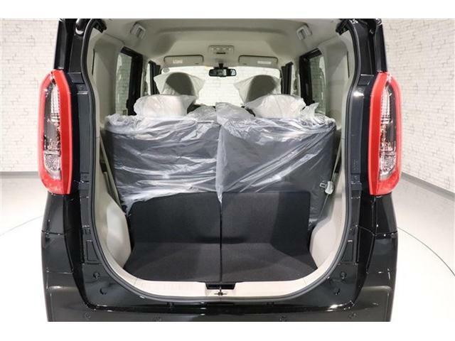 こんなに広い荷室が出来ますよ!背の高い荷物も積めます。テールゲートを空ければラゲッジスペースが広くなり 人と物が快適に移動できてドライブがもっと楽しくなりますよ