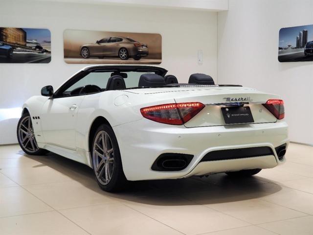 GranCabrio Sport 460馬力(カタログ値)純正OP総額:745,881円 ・20インチMCデザインホイール・カラードシートバック・アルマイト加工ブルーキャリパー
