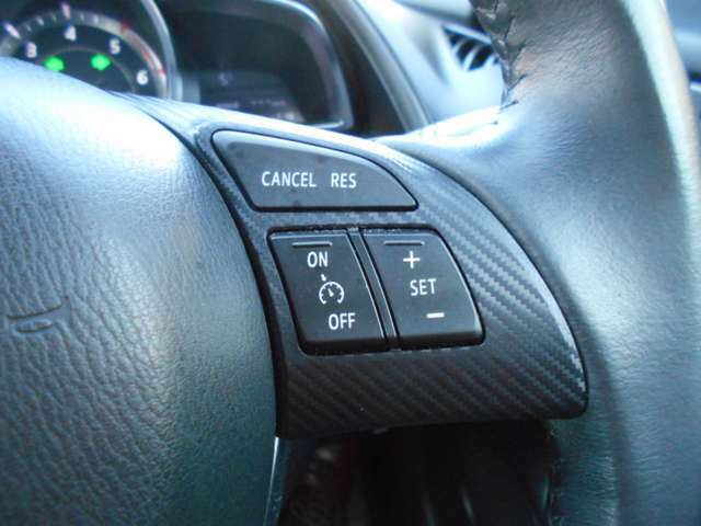 オートクルーズ機能付。高速走行時に速度設定をすると、アクセルを踏まなくてもスピード維持が可能です!無駄な加減速もなくなります。お問い合わせは0120-27-1190★