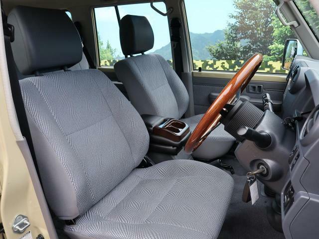 ☆レトロ感のある運転席周りは、走る喜びを感じられる快適空間です!