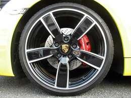 20インチ Carreraスポーツホイール ¥418,000- ブラックペイント仕上げホイール(ハイグロス)Exclusiv ¥214,000-