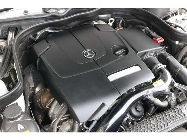 心臓部には2,000cc 直列4気筒DOHCターボエンジンを搭載し、カタログ値211馬力を発生させます!環境性能にも優れ燃費効率を向上させるECOスタート&ストップ機能を搭載!