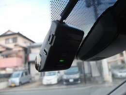 前後カメラタイプの純正ドライブレコーダーも御座います★純正リモコンエンジンスターターも御座います!!