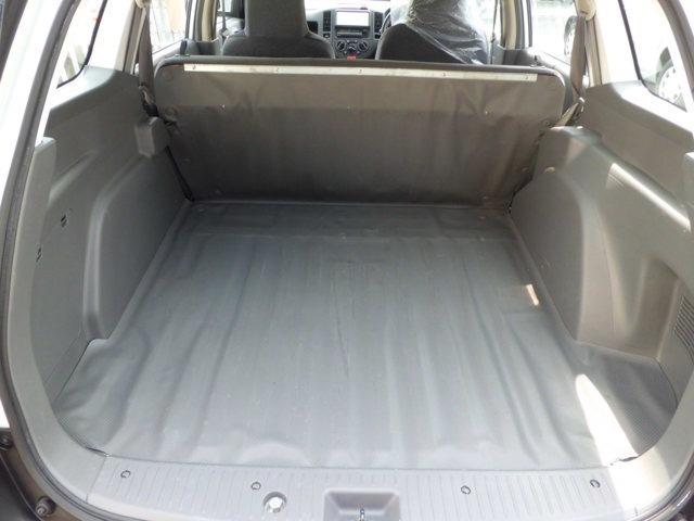 シートを倒すと大きなラゲッジルームになります。車両本体のみの販売も可能です!車両代+リサイクル税で販売させて頂きます(消費税は込みです)お気軽に!!