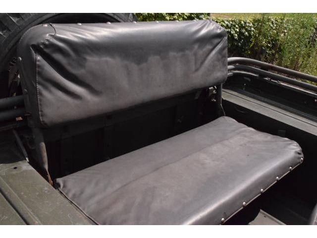 後部座席は折り畳み可能です。