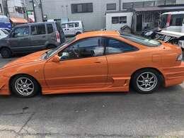 カラーコード 4W7 ラヴァオレンジクリスタルシャイン レクサスのオレンジになります。