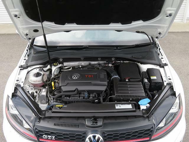 2.0L TSIエンジン:GTI の名にふさわしいダイナミックな走りをいつでも思いのままに愉しむことができます!!
