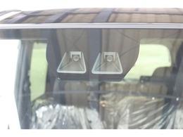 【スマートアシストIII】「衝突被害軽減ブレーキ」「誤発進抑制制御機能」「車線逸脱警報機能」「オートハイビーム」他を盛り込んだ予防安全装置です。様々な状況に対応できる安心装備ですね♪