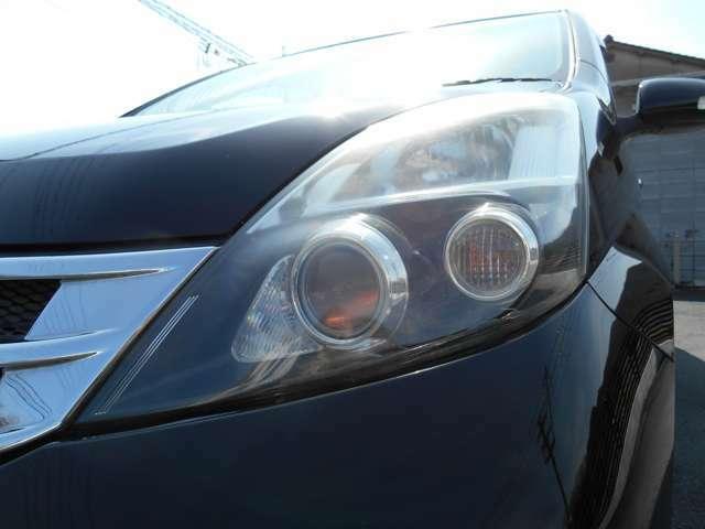HIDヘッドライト搭載で夜間の運転も視界良好です!ご納車時にはヘッドライトクリーニングも実施させて頂きます。【TEL 079-264-6615】【LINE @lifeautoで友達追加♪】