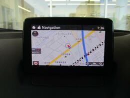 独立型のディスプレイをダッシュボード上に設置。ドライバーは視線を下方に大きく動かすことなく情報を確認できる7インチWVGAセンターディスプレイです。ナビSDカードを装備で遠方へのドライブもしっかりとサ