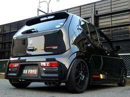 TEINフルタップ車高調・4本出しオリジナルマフラー・オリジナルエアロミラー装着の新車コンプリートカーです。