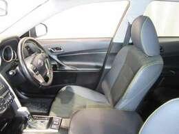☆運転席☆シートは専用の洗剤で丹念にクリーニングしてあり非常に綺麗です!