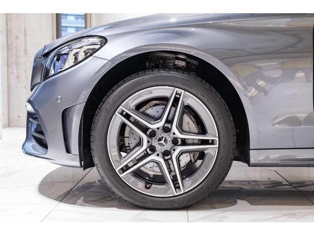●新車や中古車の販売だけでなく、車検やアフターサービス、さらに、大切に乗られてきたお車も、納得の価格で買取いたします。