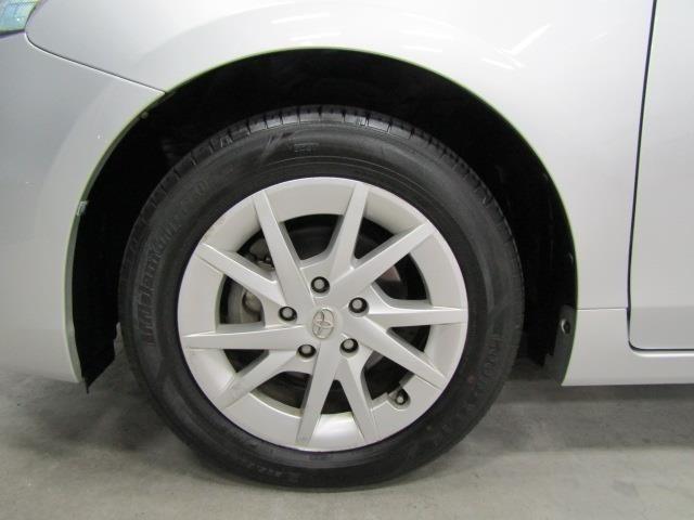 タイヤ・タイヤハウス内を「専用コーティング剤」で施工。足元がキレイだとクルマも素敵に見えます!