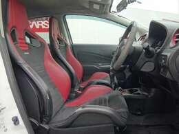 ニスモS専用 レカロ製スポーツシート★よりハイレベルなドライビングを心強くサポートするインテリアです!