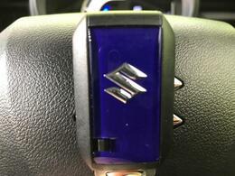 【スマートキー&プッシュスタート】便利なスマートキー♪この電子キーを携帯しているだけで簡単にエンジンの始動やドアの解錠、施錠が可能です!また万が一の時も安心なエンジンイモビライザーもついてます!