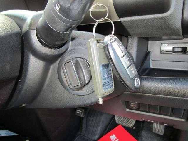 インテリジェントキーを携帯していますとキーレススタート可能です!