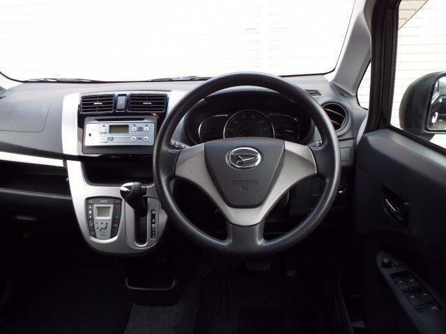 足元広々使えて操作も簡単インパネオートマ!Wエアバック、ABS付きで安全装備も充実です!