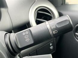 【オートライト】自動でヘッドライトが点灯するためトンネルなど忘れがちなシーンでも安心です!