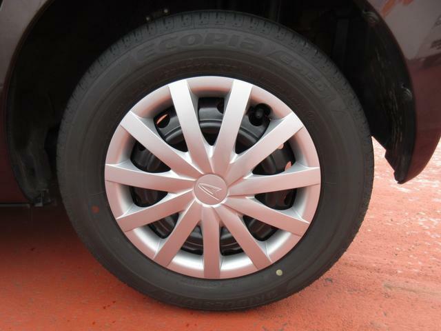 【中古車保証付きとは】12カ月・走行無制限/6カ月・5000Km などご購入頂いた車両全てにアフター保証を付帯しております。(期間または走行距離のいずれかが上限に達するまで保証)