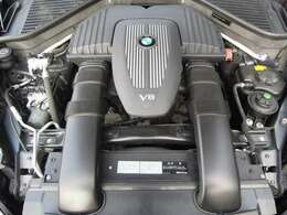◆エンジン・ミッション・エアコン等、機関の状態も良好です!◆V8DOHC/4800cc/355馬力/燃費6.2km/L(カタログ値)!