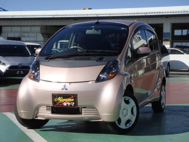 走行25600キロで新車からの点検整備記録簿がしっかりとある安心のアイ!ピンクの三菱アイ入荷です
