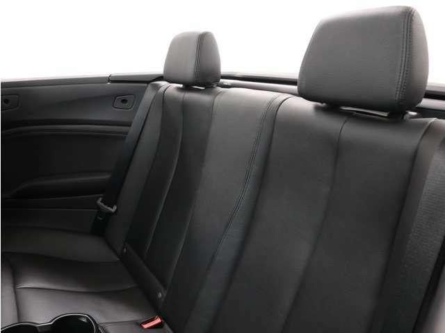 リヤシートも、とても開放的ですね!