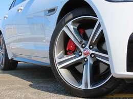 19インチ・ブレード(5スポーク) サテングレーダイヤモンドターンド仕上げ 4本PIRELLIブランド新品タイヤ装着済み!
