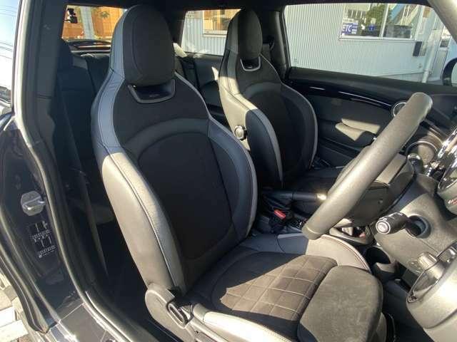 フロントシートは、キズ、スレ、汚れ等なく大変綺麗な状態となっております!