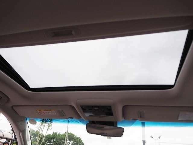 ムーンルーフ(チルト&スライド式) 車内の換気にも最適です!