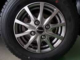 社外12インチ アルミホイール タイヤサイズは145R12になります。