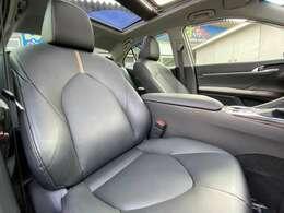 黒革電動シートヒーター装備で車内の高級感がとてもあります!!オシャレな黒革シート!!
