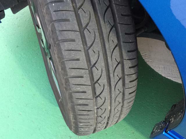 タイヤの溝もしっかりあります。