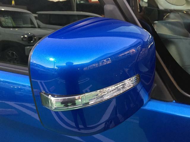 LEDサイドターンライト付きミラーです。