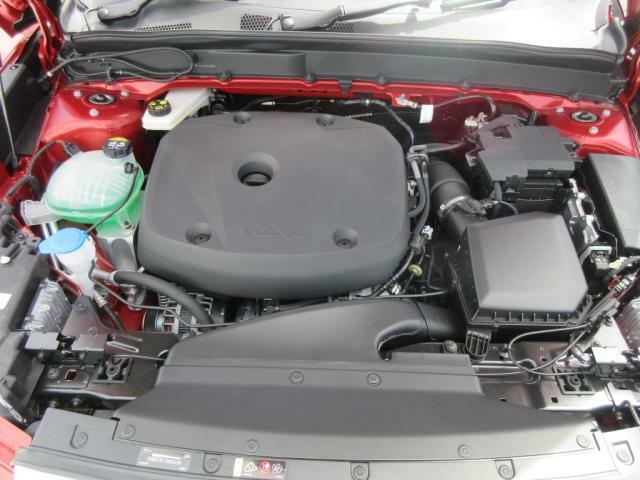 パワーと環境性能のグッドバランス。ガソリンターボチャージャーT4エンジン搭載