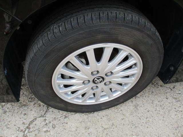 純正15インチアルミにタイヤは6分山あります!!