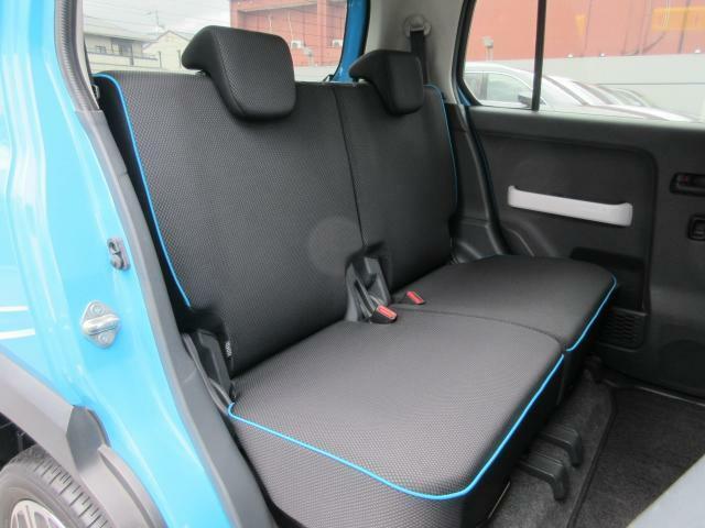 後席シートバックとラゲッジフロアには汚れを拭き取りやすい素材を採用しています!