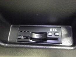 ETC車載器を装備しています。高速道路の料金所で停車することなく スムーズな精算が可能です。ETCカードをお持ちでない方は、当店でも申し込み手続き可能ですので お気軽にお問い合わせください。