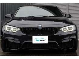 ドライビング・アシスト(車線逸脱警告システム/前席接近警告機能/衝突回避被害軽減ブレーキ)、BMWコネクテッド・ドライブ・スタンダード(BMW SOSコール/BMWテレサービス)、アラームシステム、