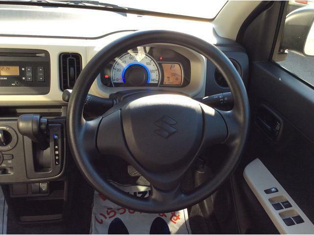 最近多いご依頼で、「ドライブレコーダー」の取付があります。もしもの時の備えに強力なアイテムとなります。車両購入時に是非ご検討ください。後方用もございますのでお気軽にご相談ください。