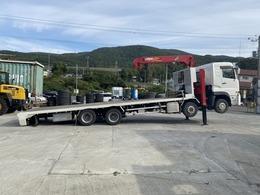 UDトラックス クオン 4軸低床セルフ ユニック4段 油圧5tウインチ付き