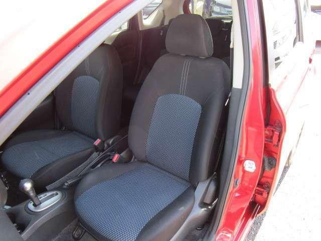 運転席同様に助手席シートもキレイです!