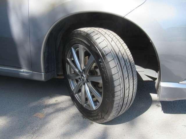 タイヤの状態もバッチリ! スタッドレスタイヤ等もお気軽にご相談下さい♪