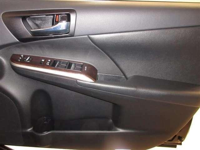 全席オートパワーウィンド☆窓の全閉全開が自動で出来るので便利ですよ♪