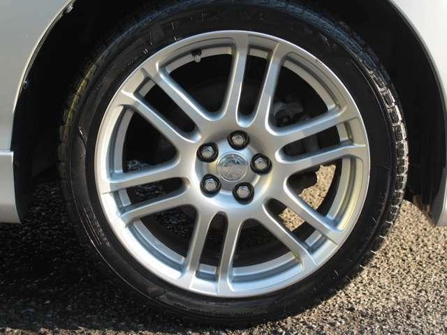 社外17インチアルミホイール装備 新品タイヤ、スタッドレス、ドレスアップアルミ交換も格安にて承ります。タイヤは国産~格安輸入タイヤまでご予算ご要望に応じてご用意致します。
