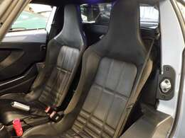 運転席&助手席のエアバック採用