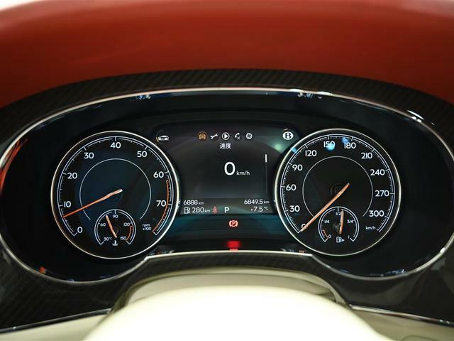 走行距離6888km。車検および保証は2023年2月まで残っています。