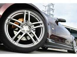 ブリッツ車高調にAVSモデルT5 フロント19インチ、リア20インチAW装備となっております♪