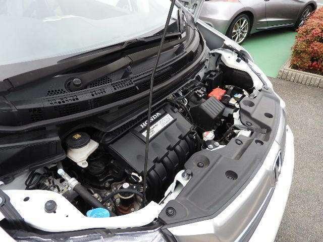 もちろんエンジンルームは洗浄済みで綺麗にしています!購入後は納車前法定点検整備、または車検整備を行います。入念な点検整備と徹底した品質チェックを実施し、基準に満たさない消耗部品は交換いたします。